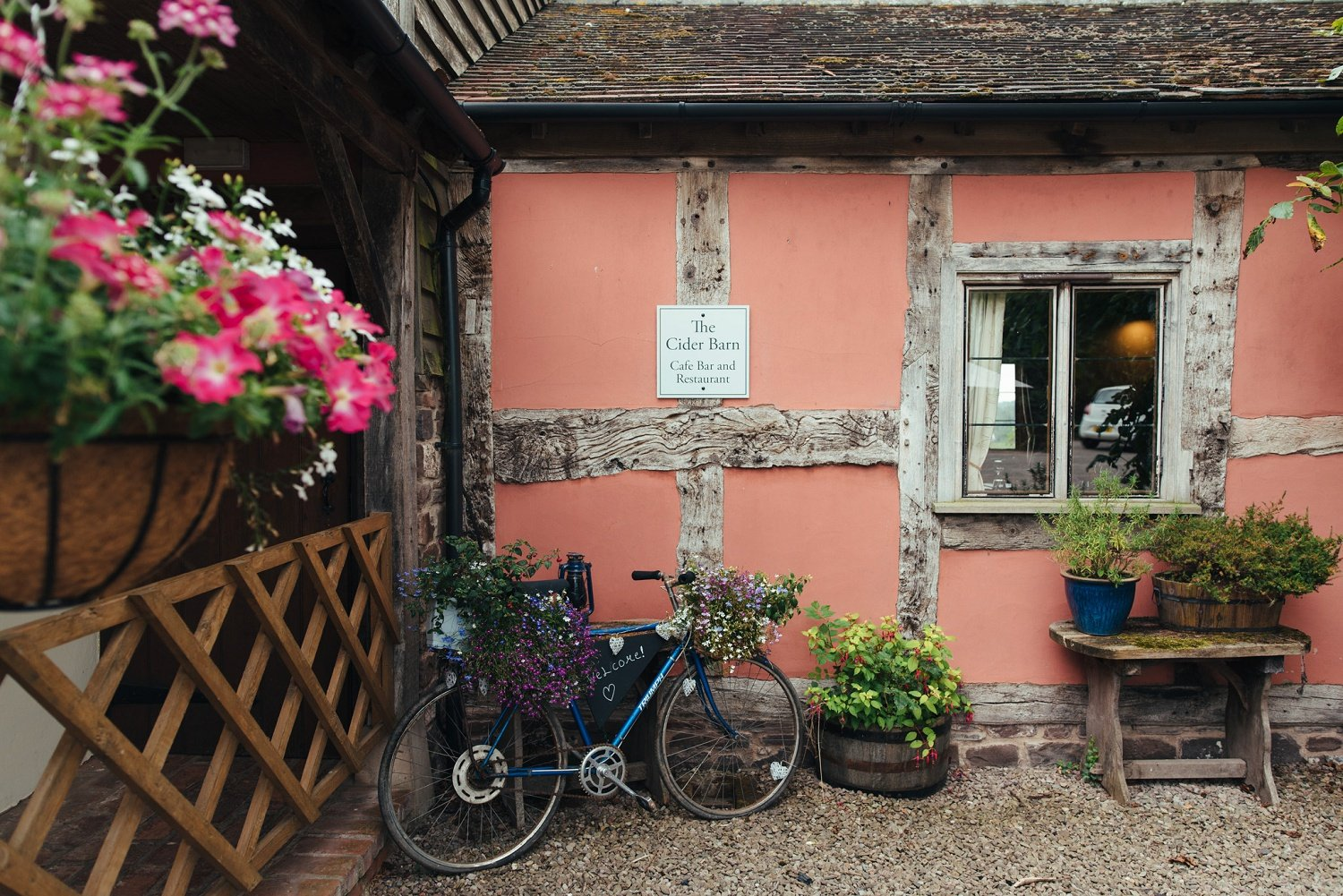 Cider Barn in Herefordshire, welcome scene